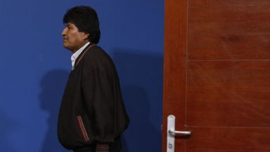 Моралес подаде оставка след масови протести