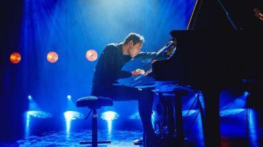 Виртуозът на пианото Питър Бенс - първо в София, после във Варна