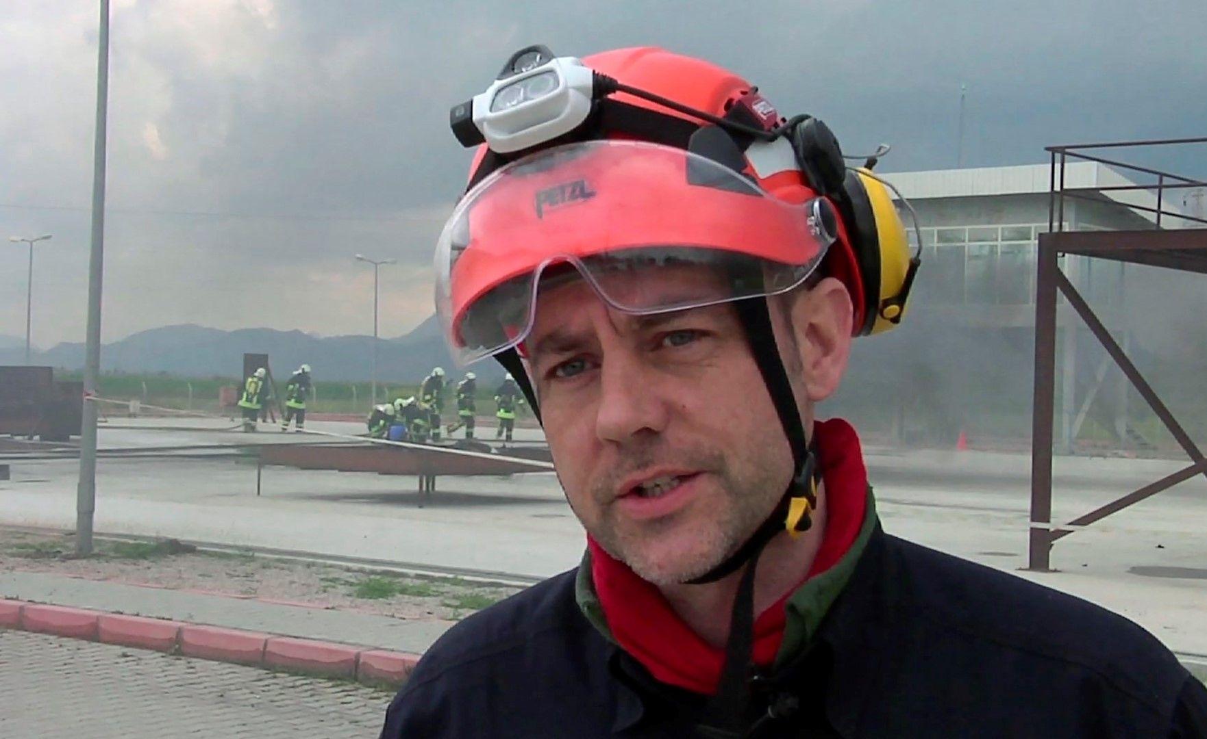 Бившият британски агент от разузнаването Джеймс Густав Едуард Льо Мезюрие - снимка по време на учение в Югоизточна Турция на 19 март 2015 г.