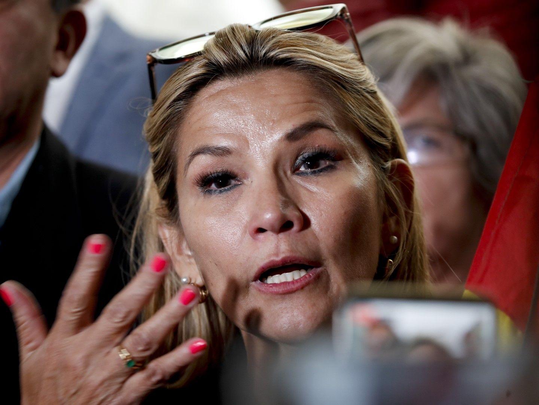 Вторият вицепредседател на Камарата на сенаторите на Националната асамблея на Боливия Жанин Анес призова двата лагера за спокойствие