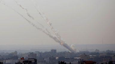 Масивен ракетен обстрел по Израел от Газа: отмъщение за убийството на джихадисткия командир и съпругата му