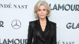 Джейн Фонда шармантна с класическа визия на наградите на Glamour