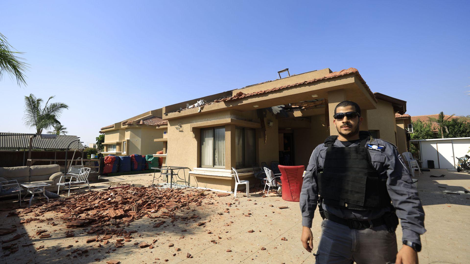 МВнР препоръчва временно да не се пътува в Израел