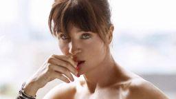 Хелена Кристенсен - непокорно красива и сексапилна на 50
