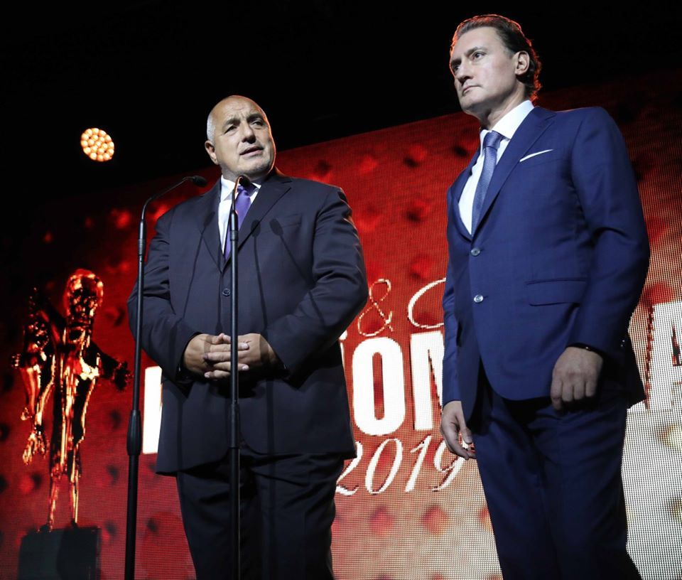 Премиерът говори в присъствието на председателя на КРИБ Кирил Домусчиев