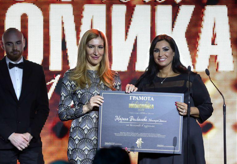 И министърът на туризма Николина Ангелкова даде отличие