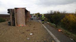 12 жертви, сред които деца, и 17 ранени при катастрофа в Словакия (видео+снимки)
