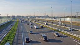Холандия намалява максималната скорост по магистралите до 100 километра в час