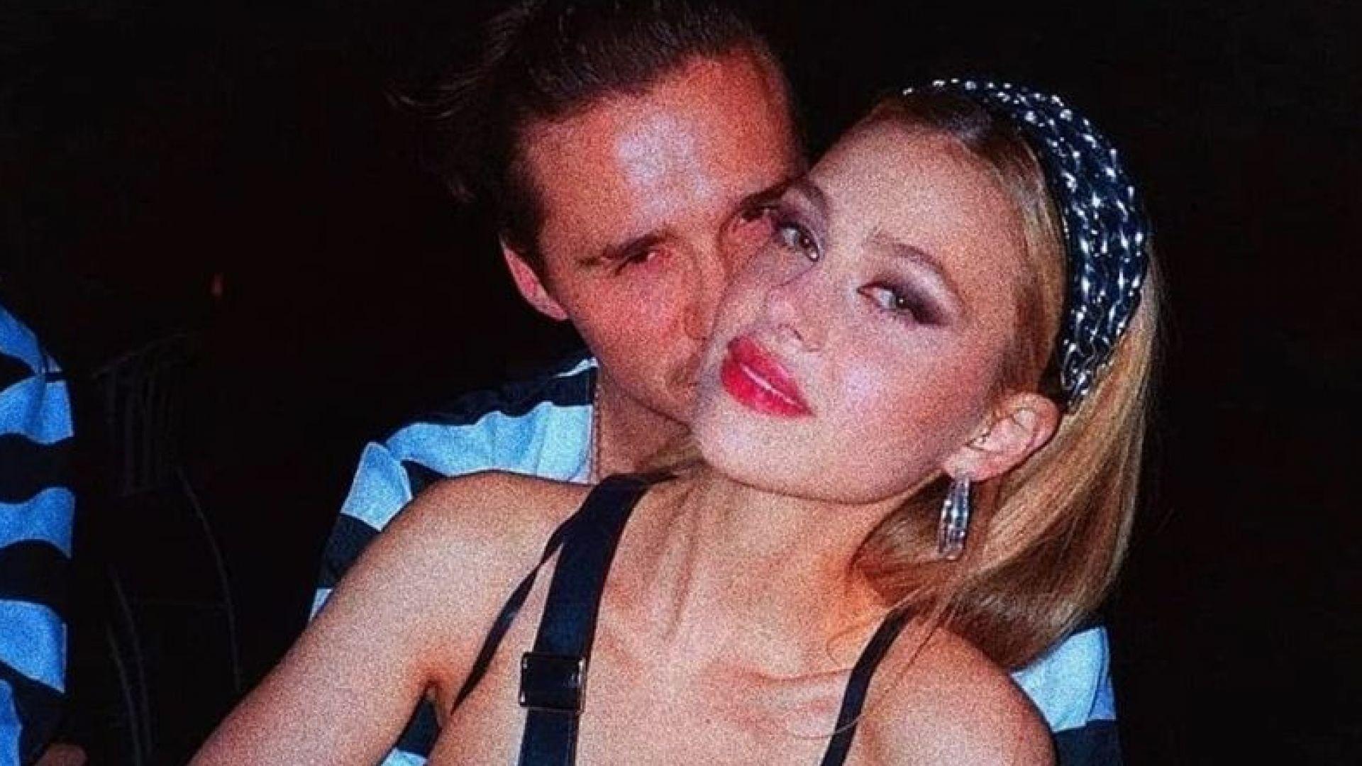 Бруклин Бекъм се раздели с двойничка на майка си. Среща се с нова секси актриса