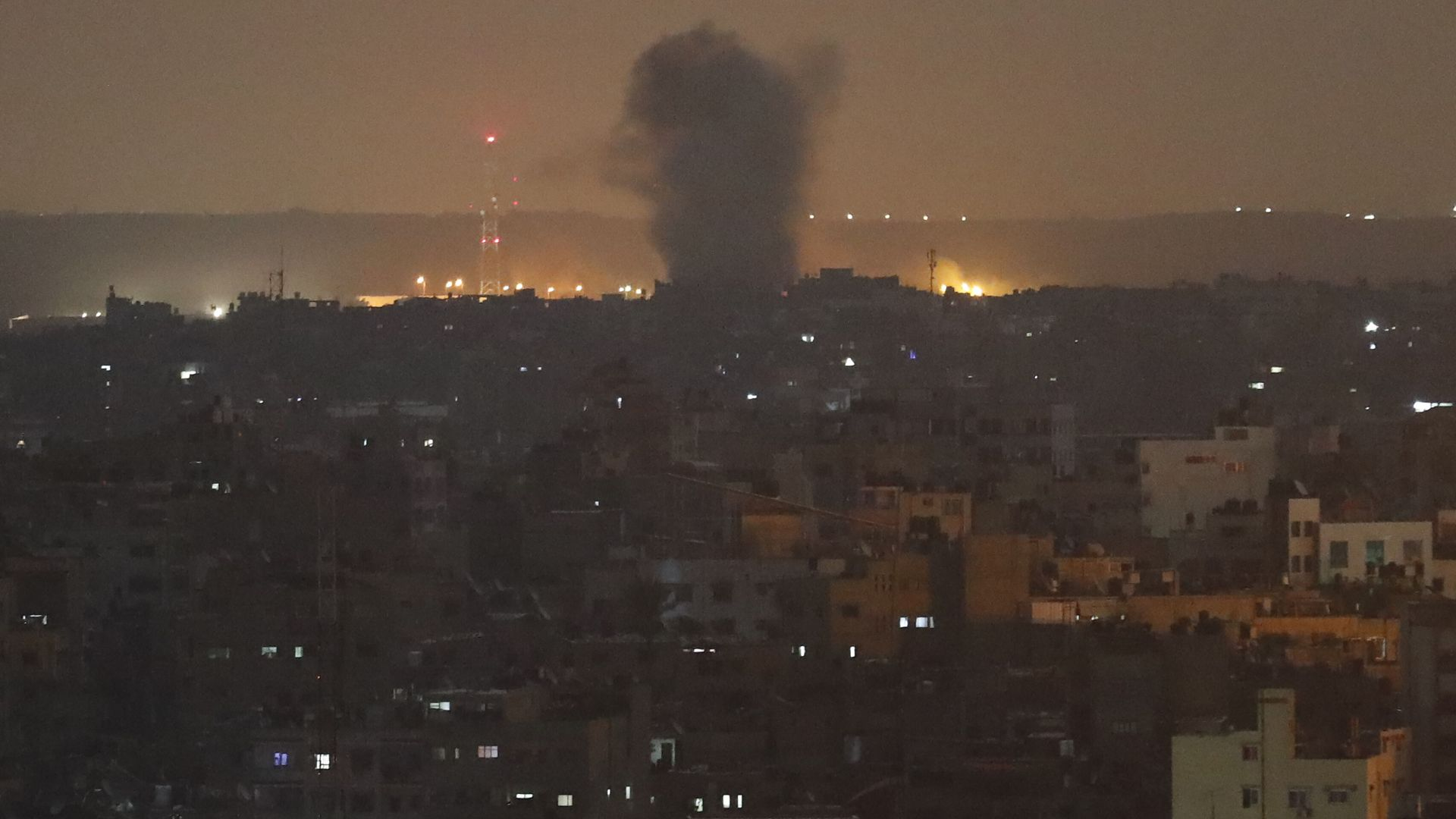 След плана за мир на Тръмп: Хамас и Израел се обстрелват