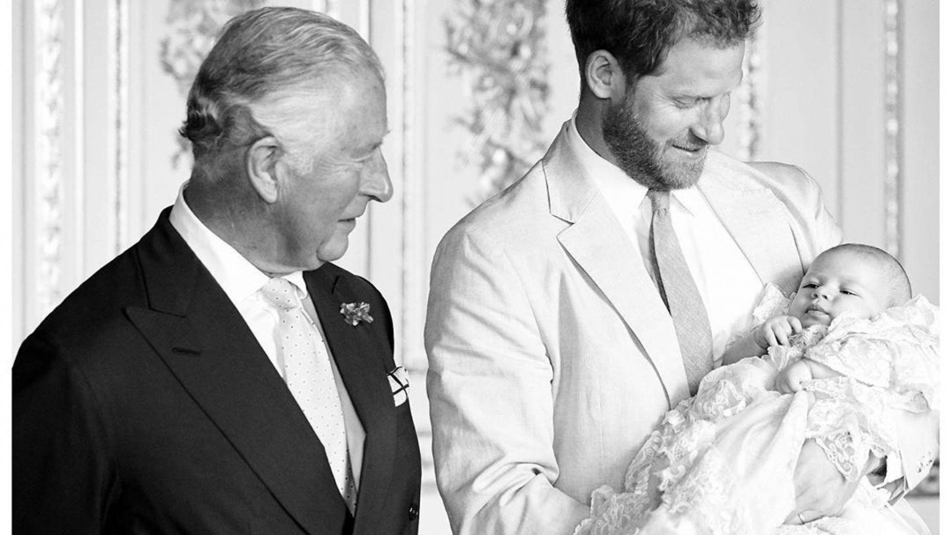 Хари и Арчи поздравиха принц Чарлз за рождения му ден с непоказвана снимка