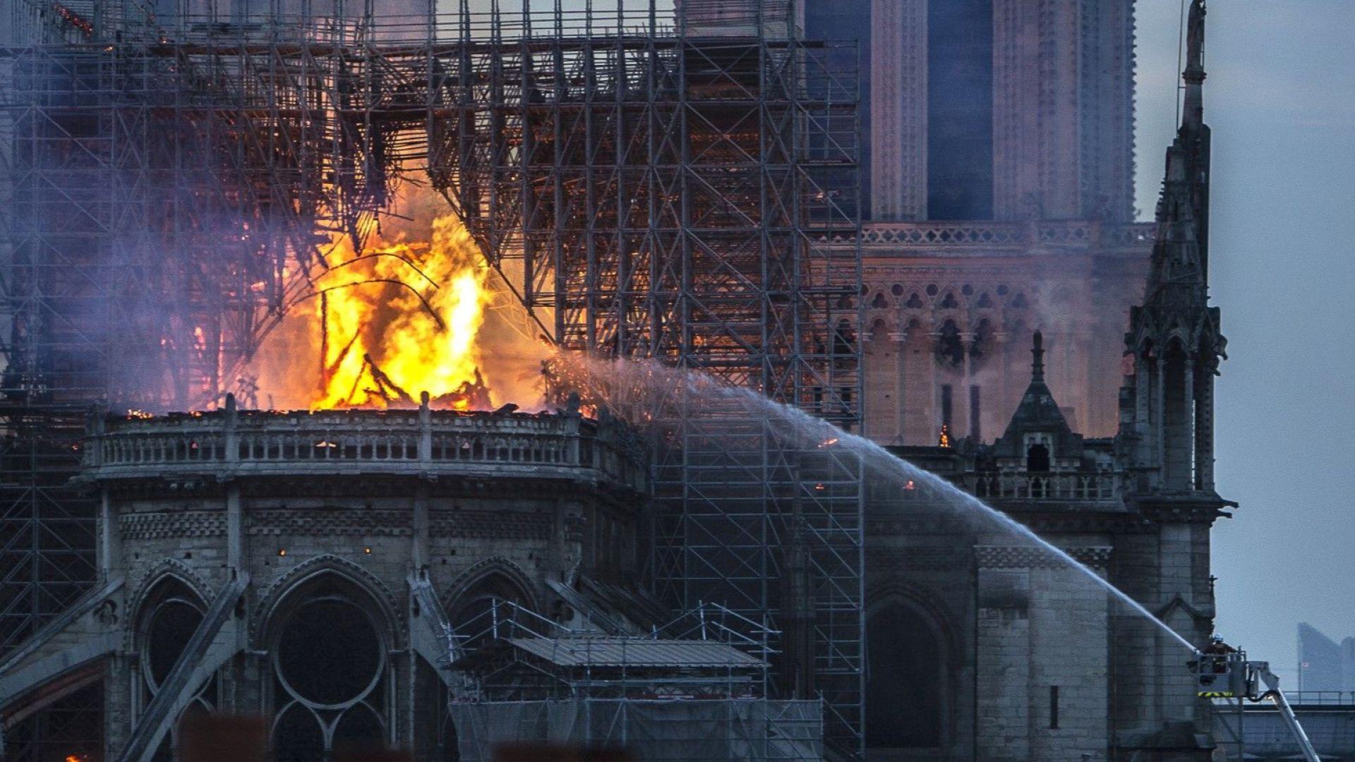 Идеята на френския президент Еманюел Макрон на опустошената от пожара