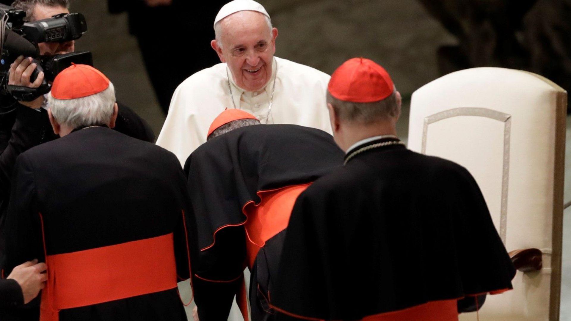 Папа Франциск призова Фейсбук, Епъл, Майкрософт, Гугъл и други технологични