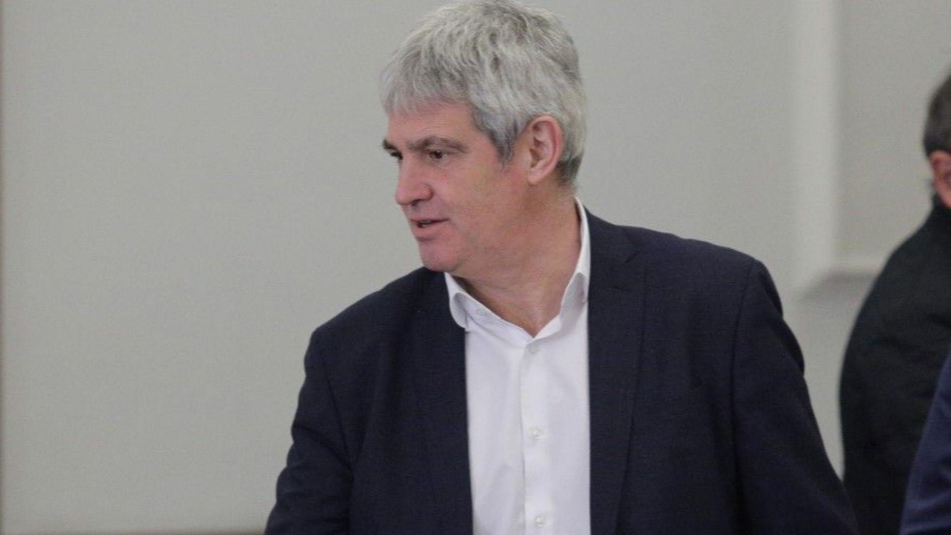 Пламен Димитров за болничните: Хората ще реагират и ние ще ги поведем, бизнес и депутати на нож със синдикатите