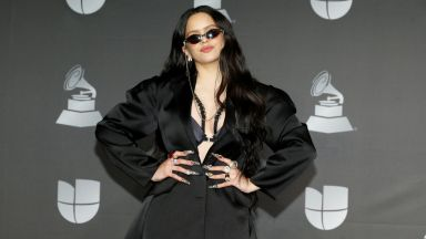 """Испанската певица Росалия триумфира на наградите """"Грами"""" за латино музика"""