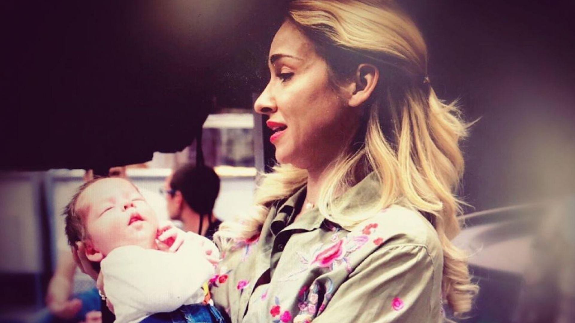 Алекс Раева заблуди мнозина със снимка с бебе в Инстаграм