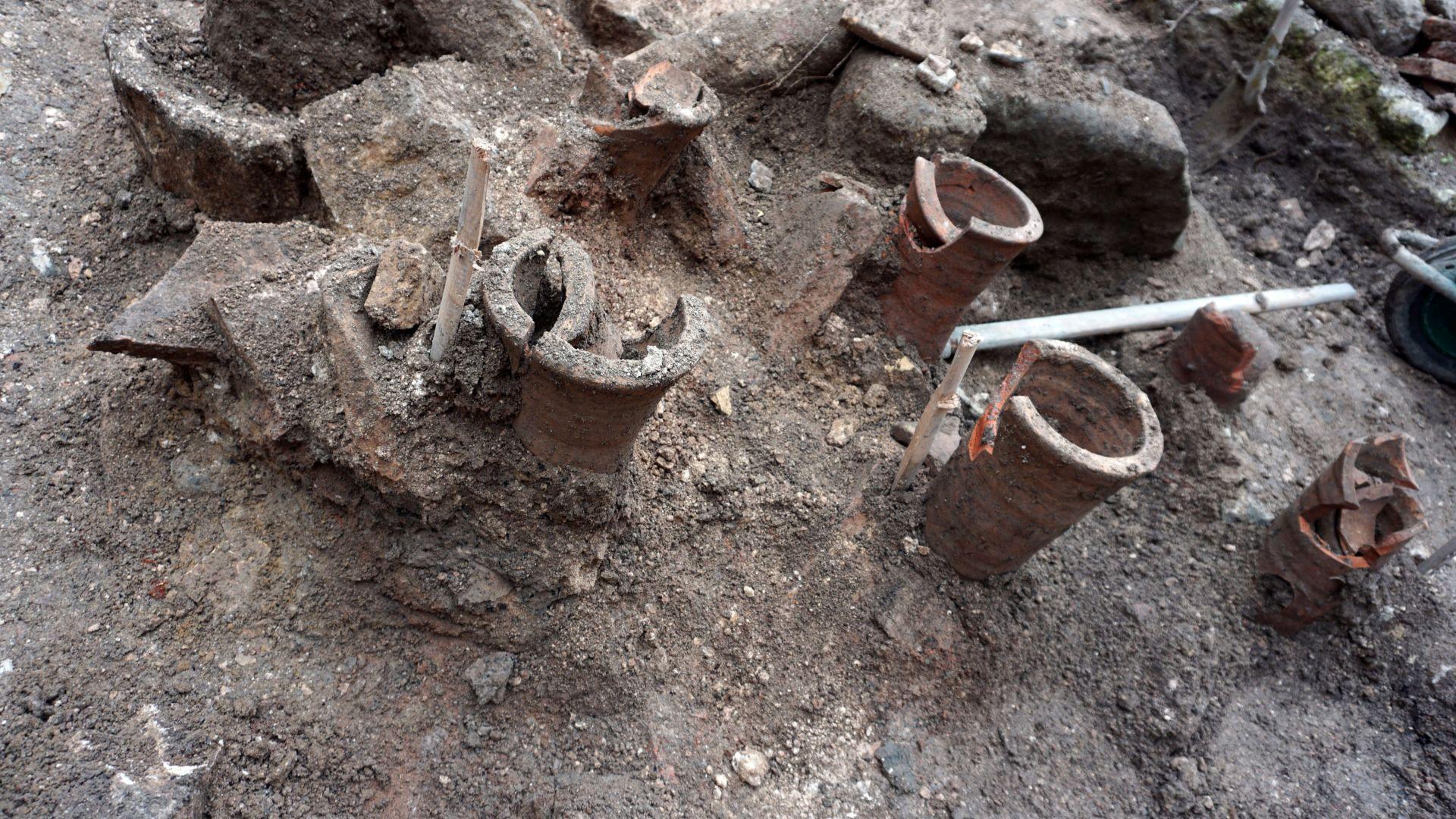 Останки от късноантична баня намериха археолози в историческия център на