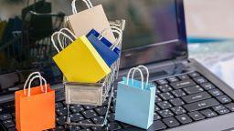 Пристрастяването към пазаруването в интернет може да бъде определено като психично разстройство