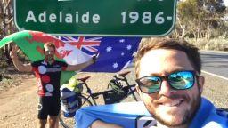 Двама британци обиколиха света с велосипед тандем за 218 дни и 22 часа (видео)