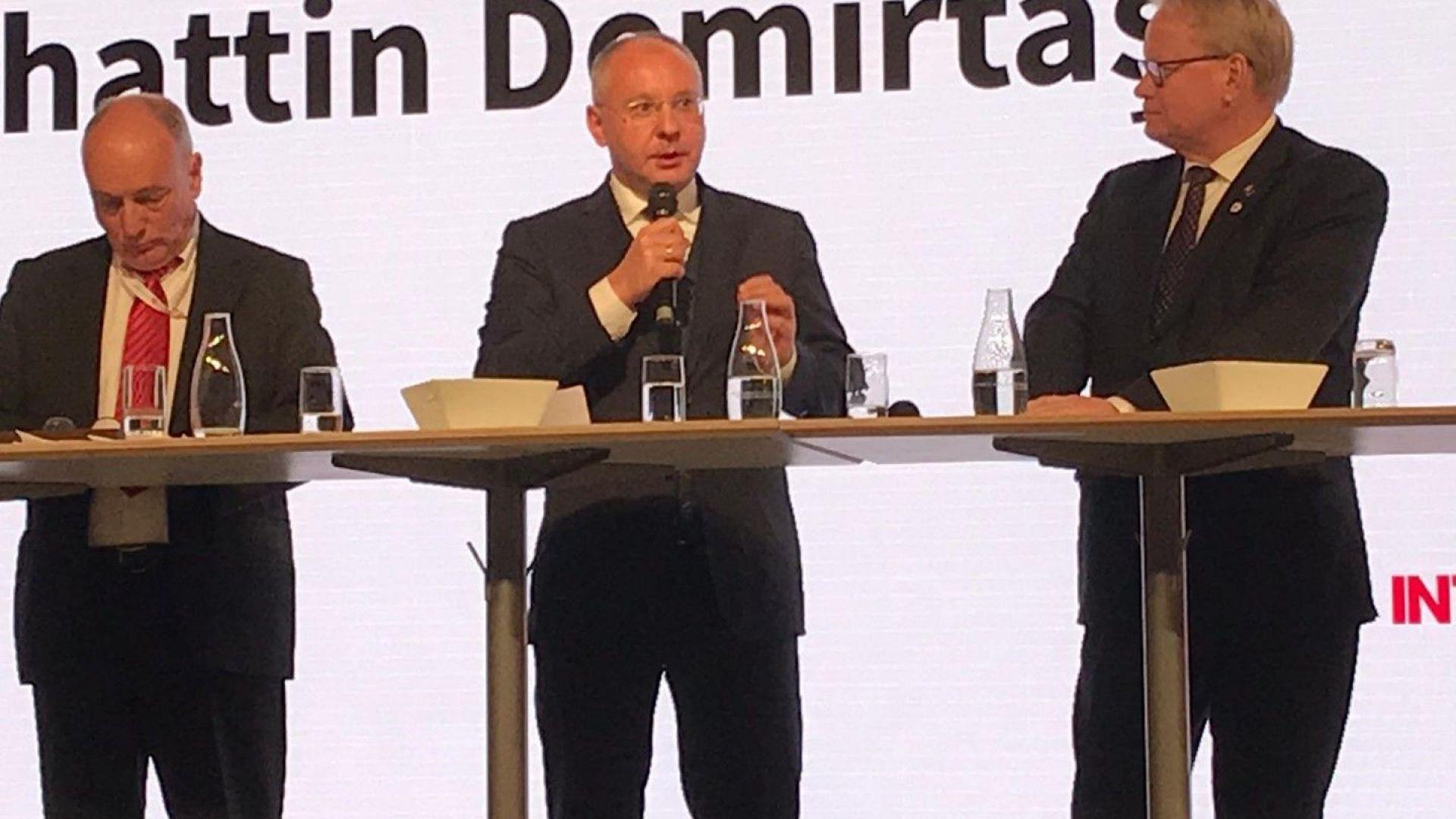 Станишев в Стокхолм: За глобалните кризи трябват общи политически отговори