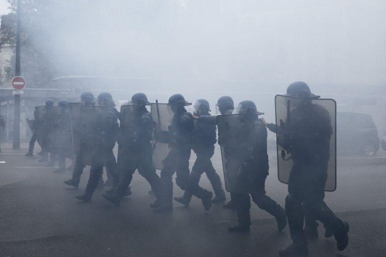 Хиляди полицаи и жандармеристи са мобилизирани да опазват реда през уикенда