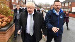 Великобритания ще повиши медицинската такса за чужденци, включително и от ЕС, до 625 лири годишно