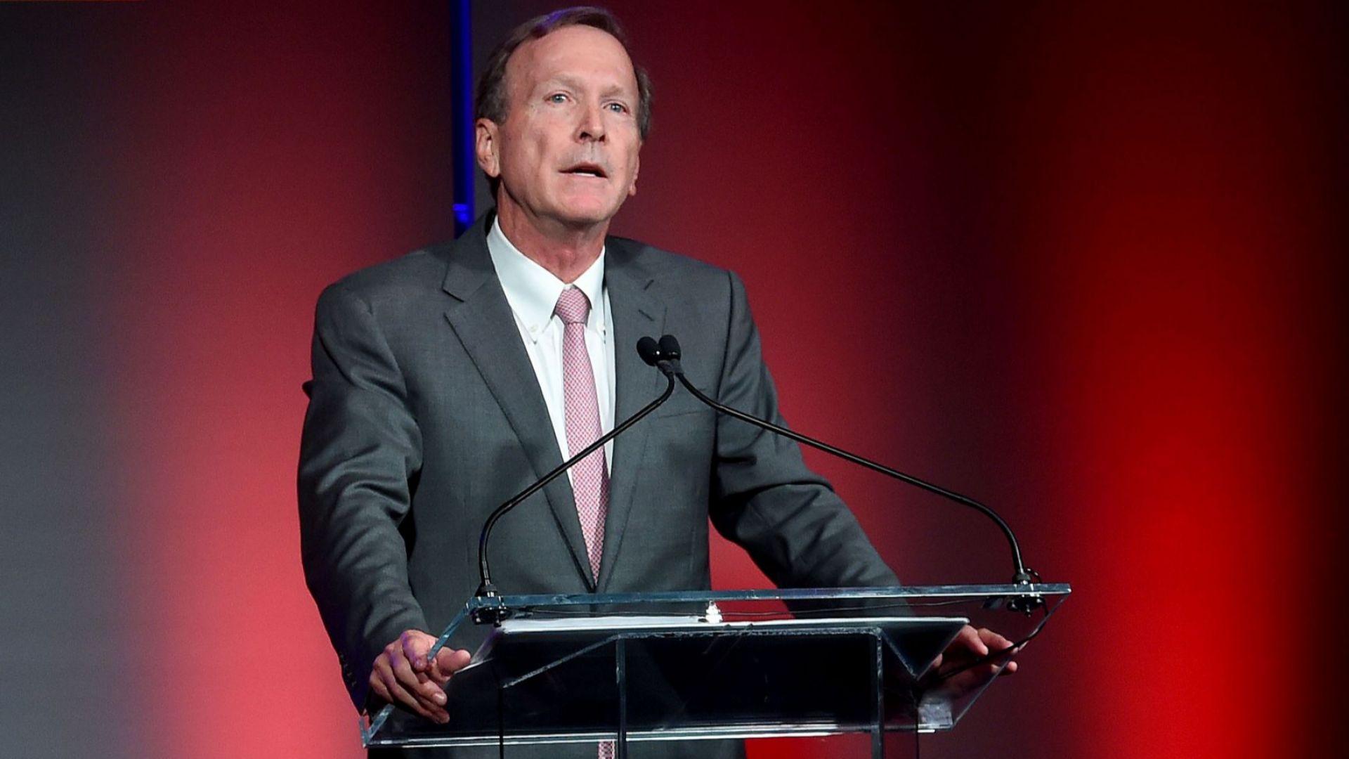 Синът на президента Джордж Буш-старши – Нийл Буш, е взел