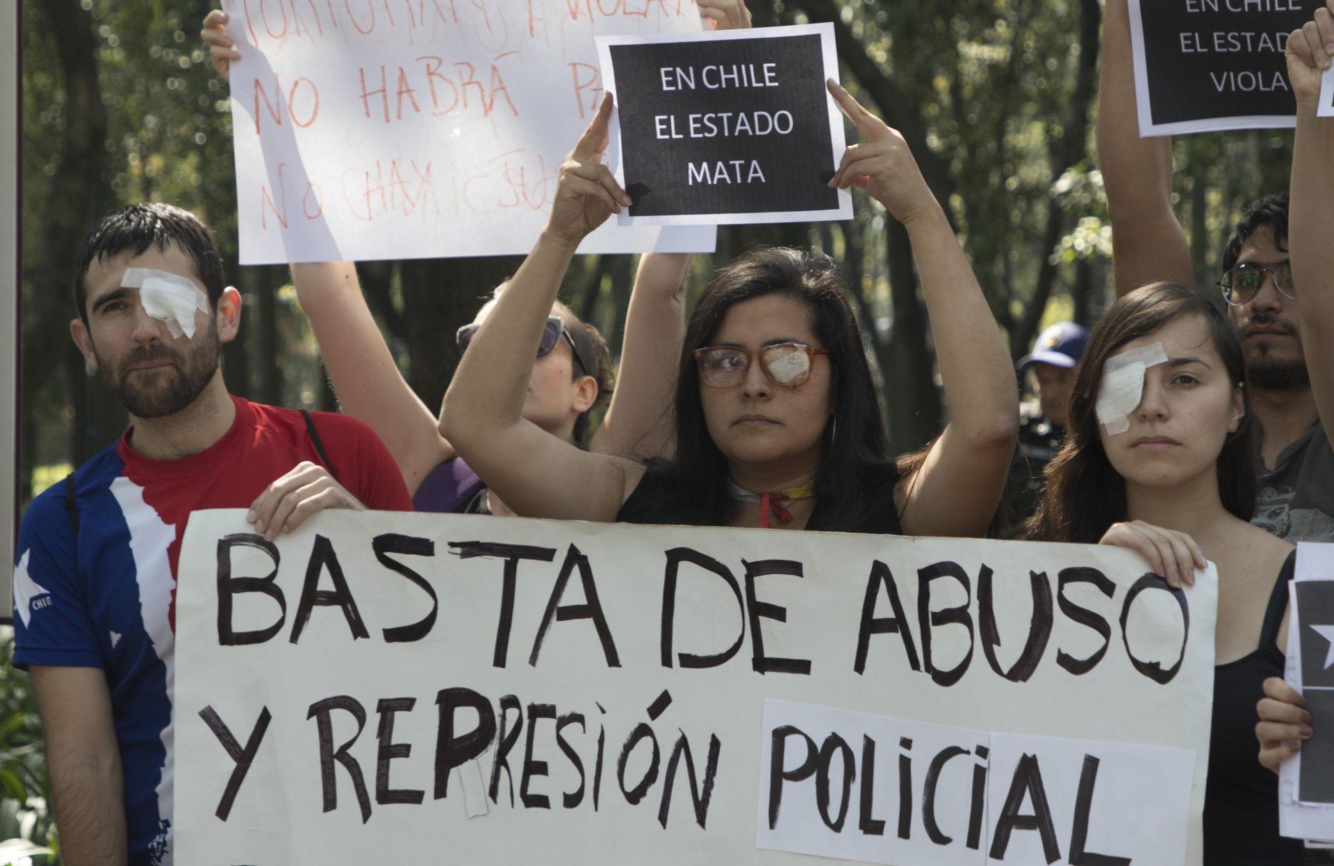 За месец по време на протестите в Чили  са загинали 22 души, от които петима вследствие на интервенция на силите на реда.