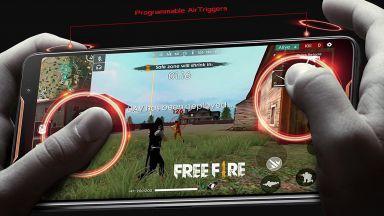 Любител на игрите със смартфон ослепя с едното око