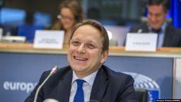 ЕП одобри всички кандидати за комисари, дори спорния унгарец Оливер Вархели