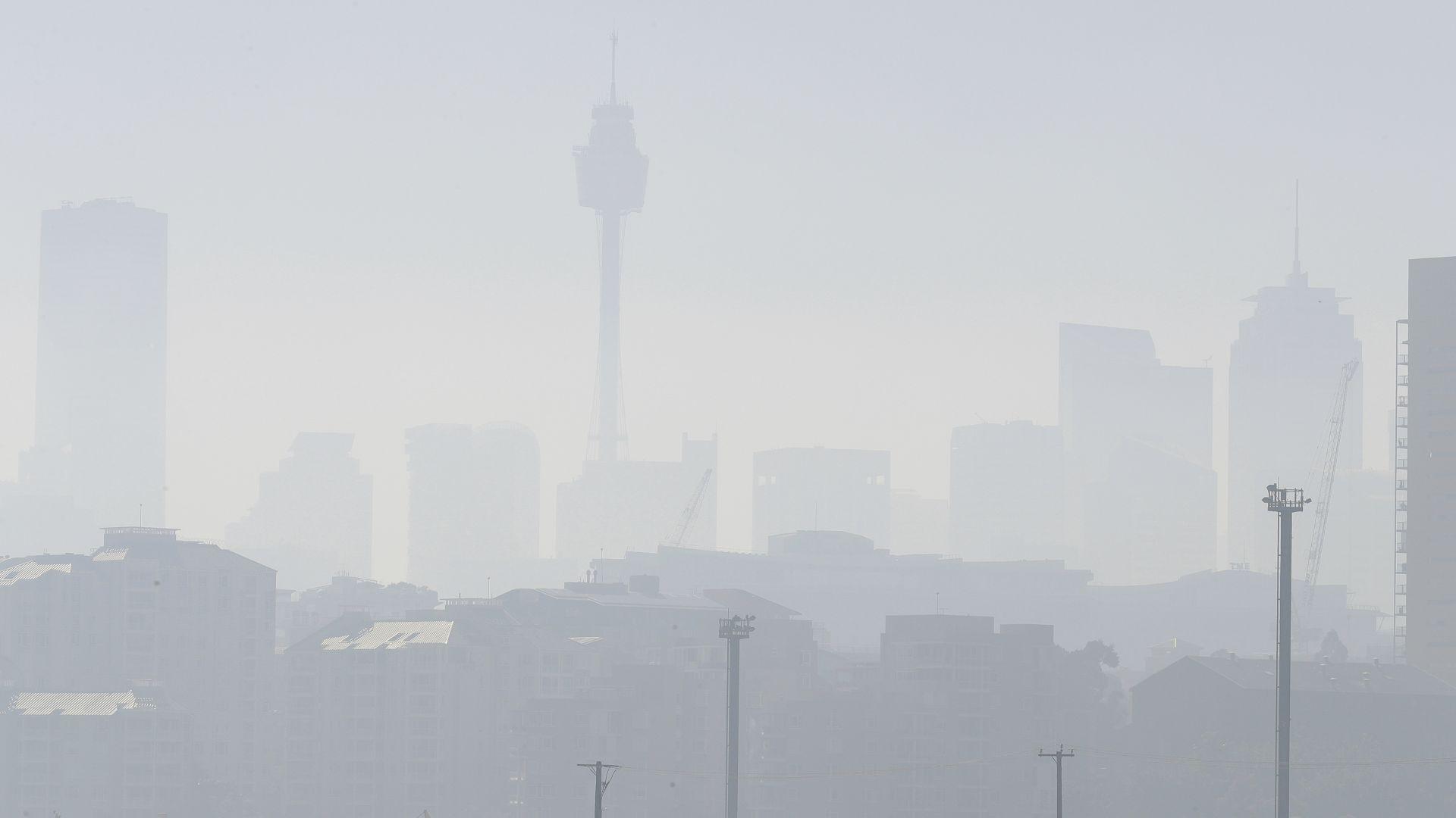 Сидни потъна в дебела отровна мъгла (видео)