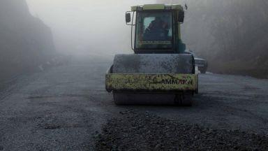 """Отварят сектор """"Строителство"""" за безработни чрез строеж на пътища и ВиК"""