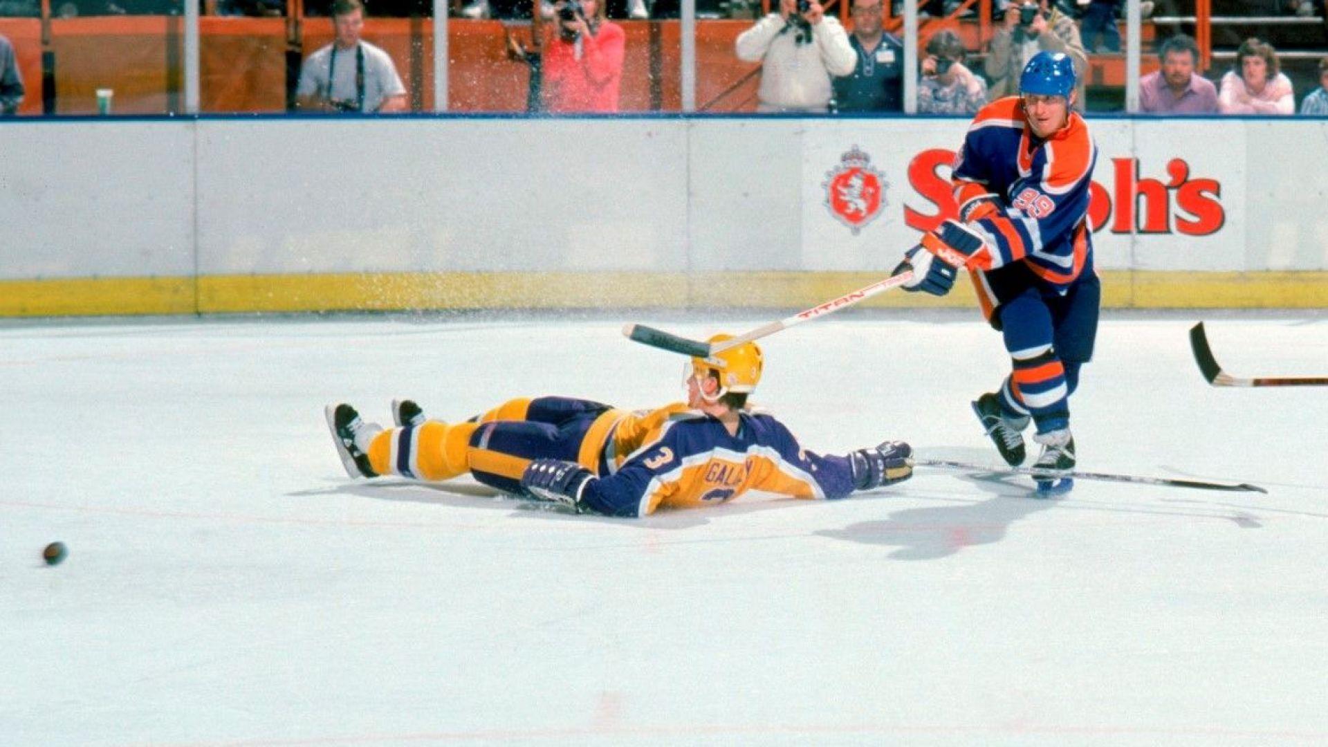 Рекорд: Продадоха картичка на хокейната легенда Уейн Грецки за $1.3 милиона