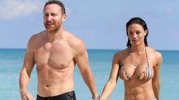 Легендарният диджей Давид Гета и 27-годишната му приятелка сексапилни на плажа в Маями
