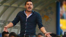 Селекционерът на Румъния си тръгна преди плейофите