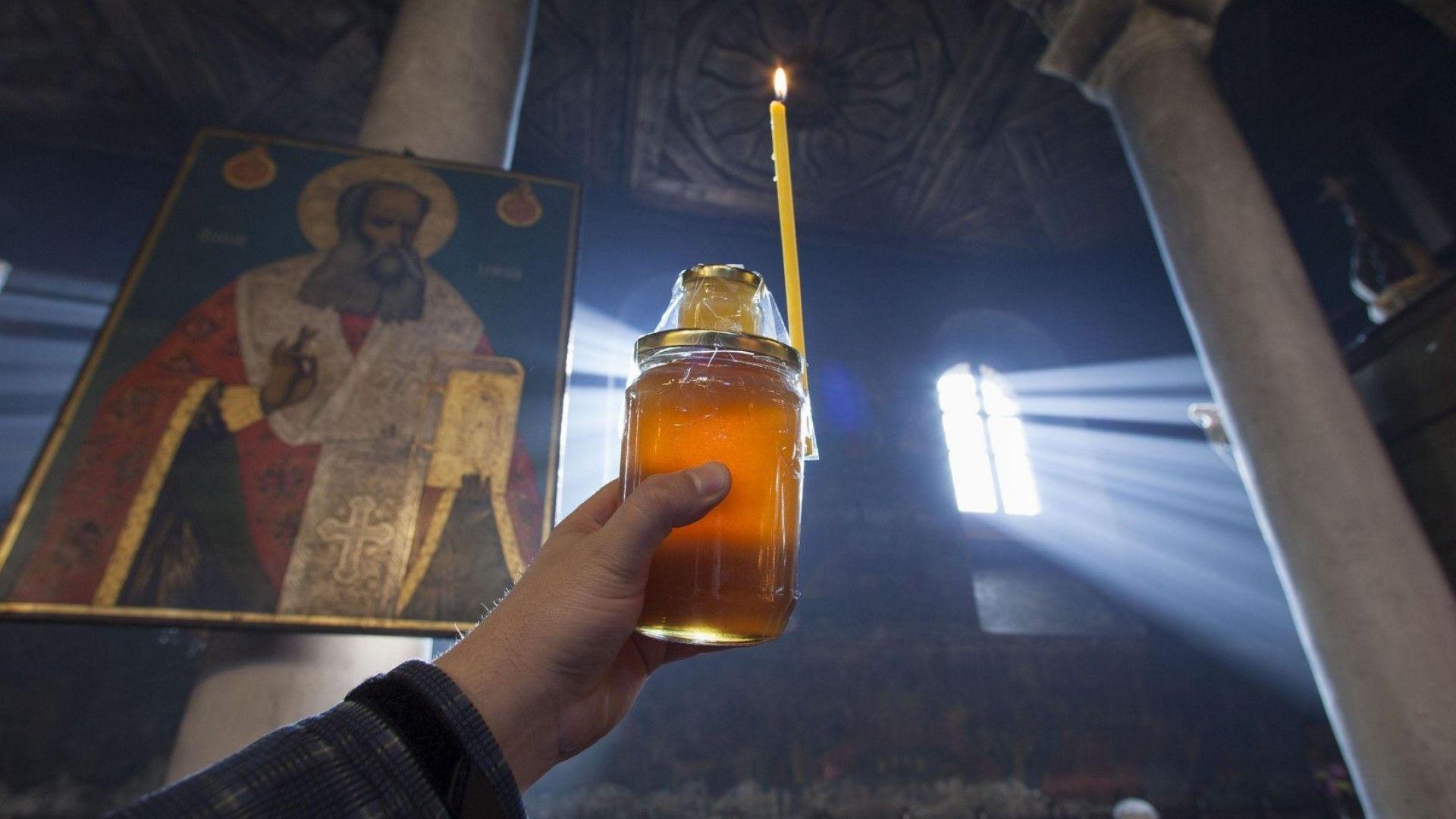 Българската православна църква чества Въведение Богородично