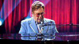 Елтън Джон пял с аутокю на погребението на лейди Даяна: Ако сгрешах, щях да бъда разчленен