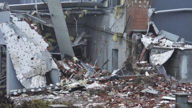 Парен котел гръмна и срути сграда в Харманли (снимки)