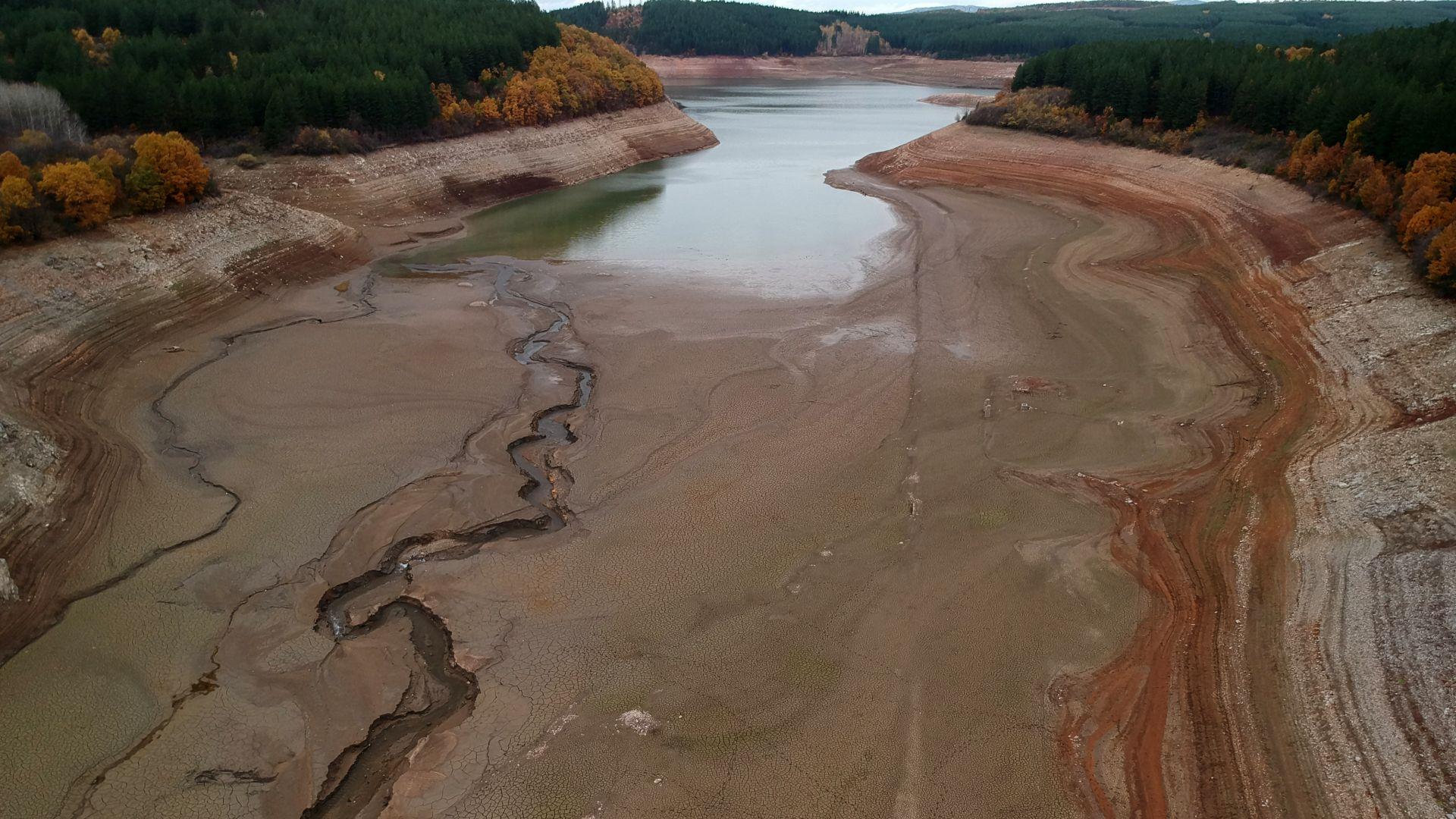 """Надежда за бедстващ Перник: Нивото на водата в язовир """"Студена"""" започна да се повишава"""