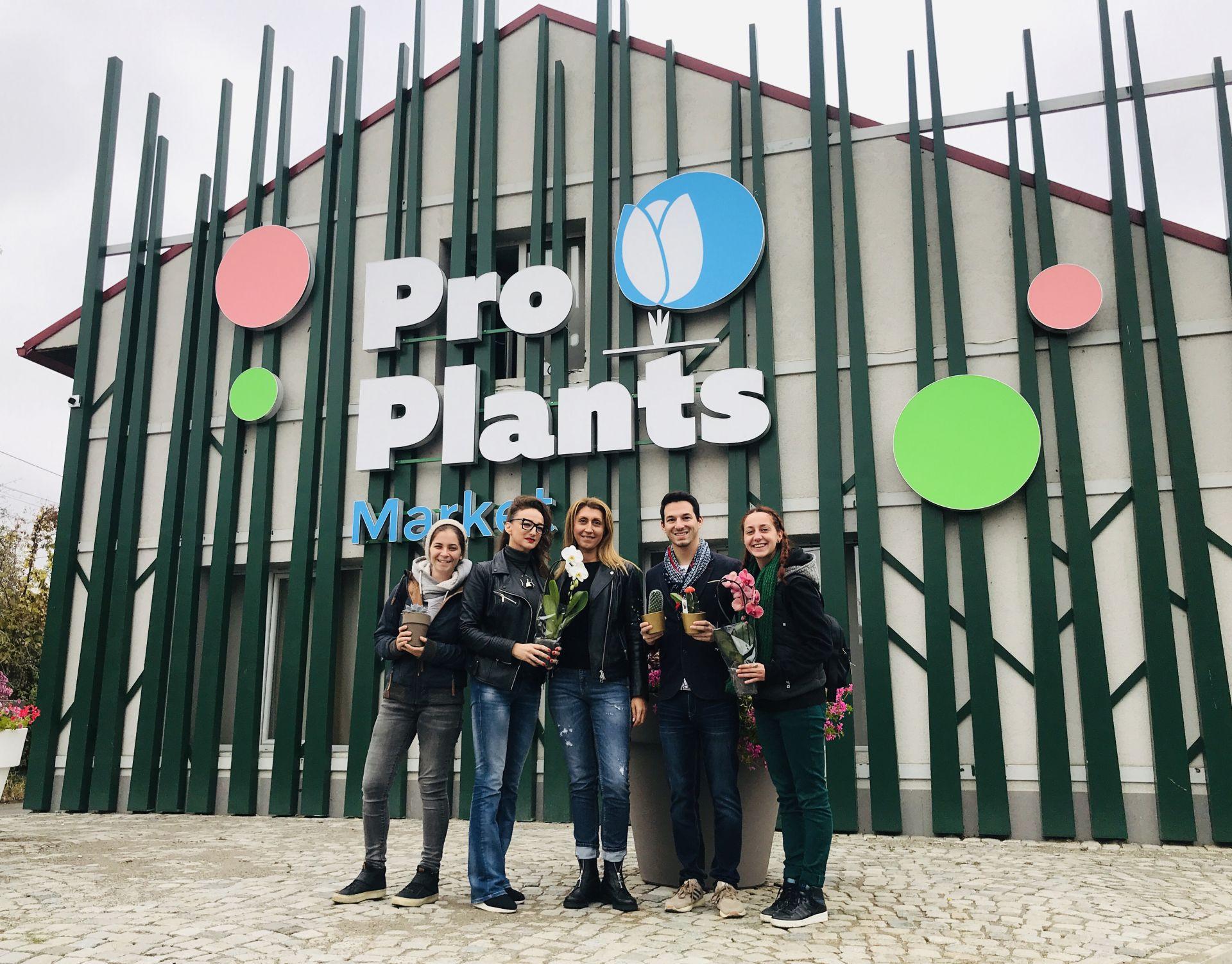 Екипът на Елхи на таланта с Петя Нановска в Pro Plants