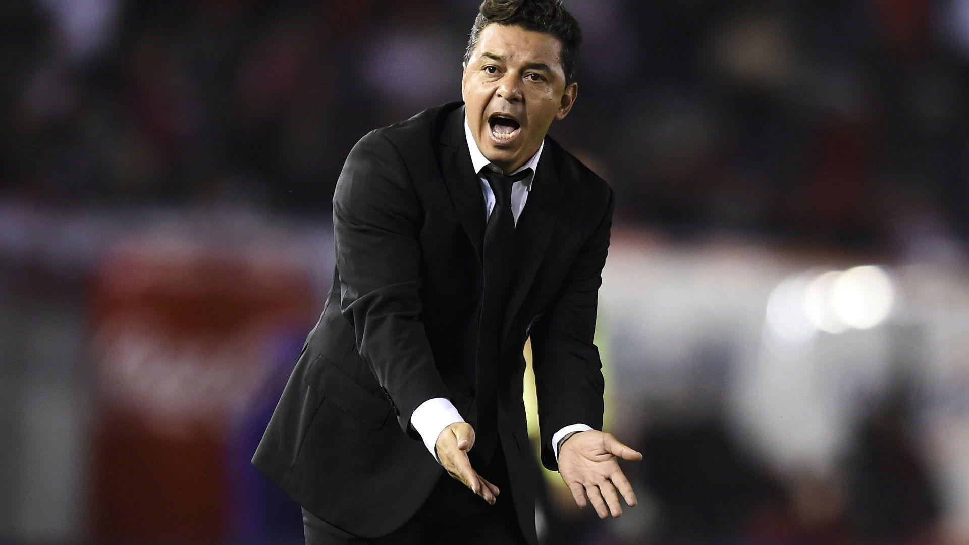 Заразата принуди аржентински гранд да пусне полузащитник на вратата в решаващ мач
