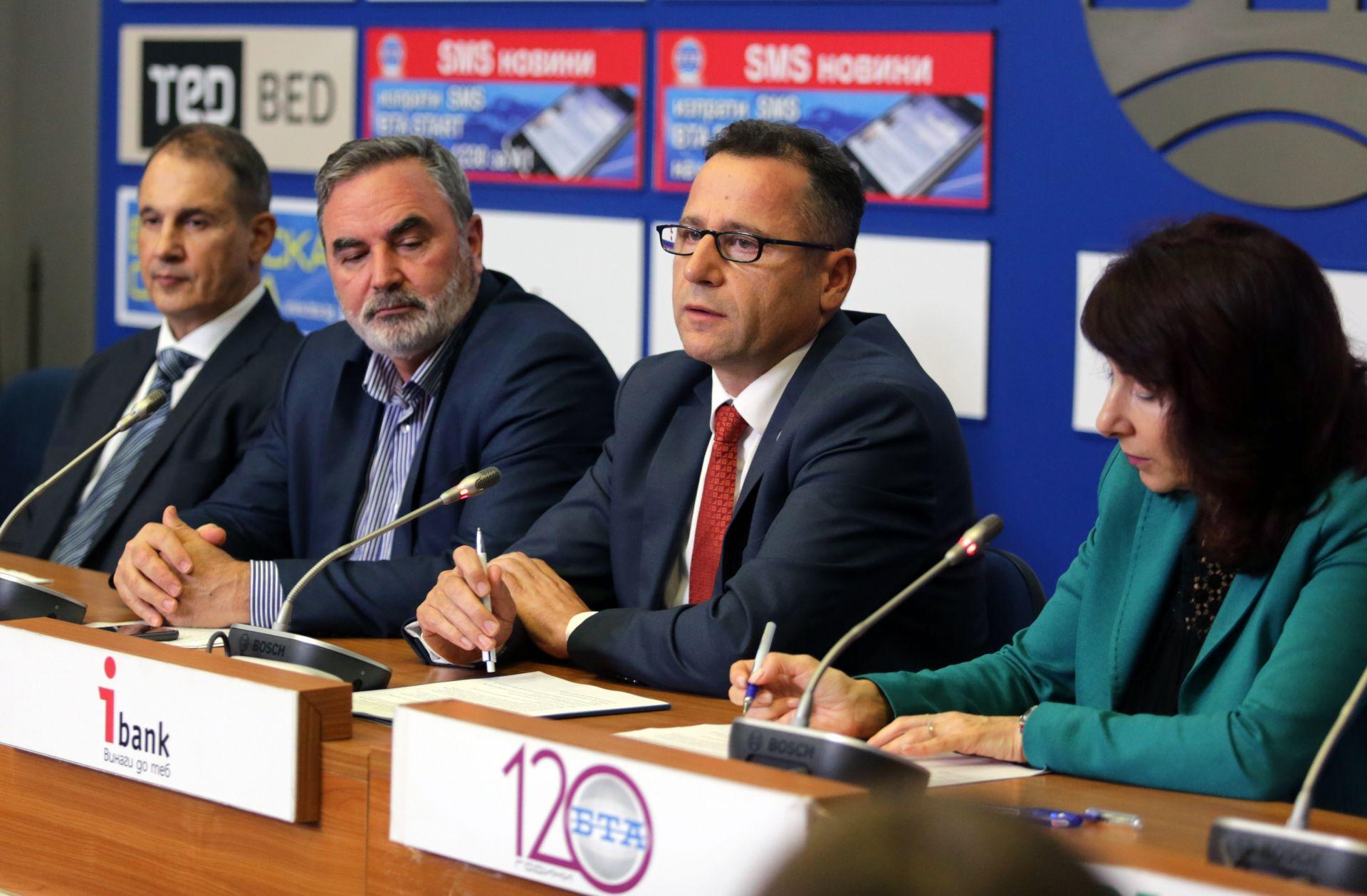 Всяка година от грип се разболяват 1 милиард души, каза Скендер Сила, ръководител на българския офис на Световната здравна организация