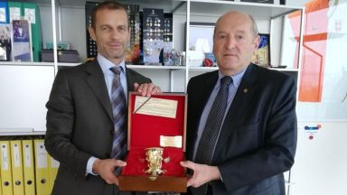 Шефът на УЕФА прие Касабов и поздрави Боби Михайлов