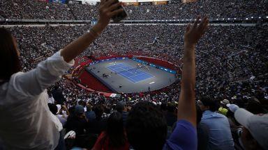 Рекорд! Федерер и Зверев написаха история пред 42 хиляди фенове (снимки)