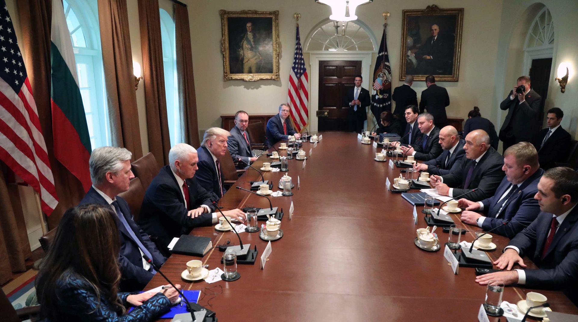 В българската делегация са министрите вицепремиерите Томислав Дончев и Красимир Каракачанов и минисрите Владислав Горанов и Емил Караниколов