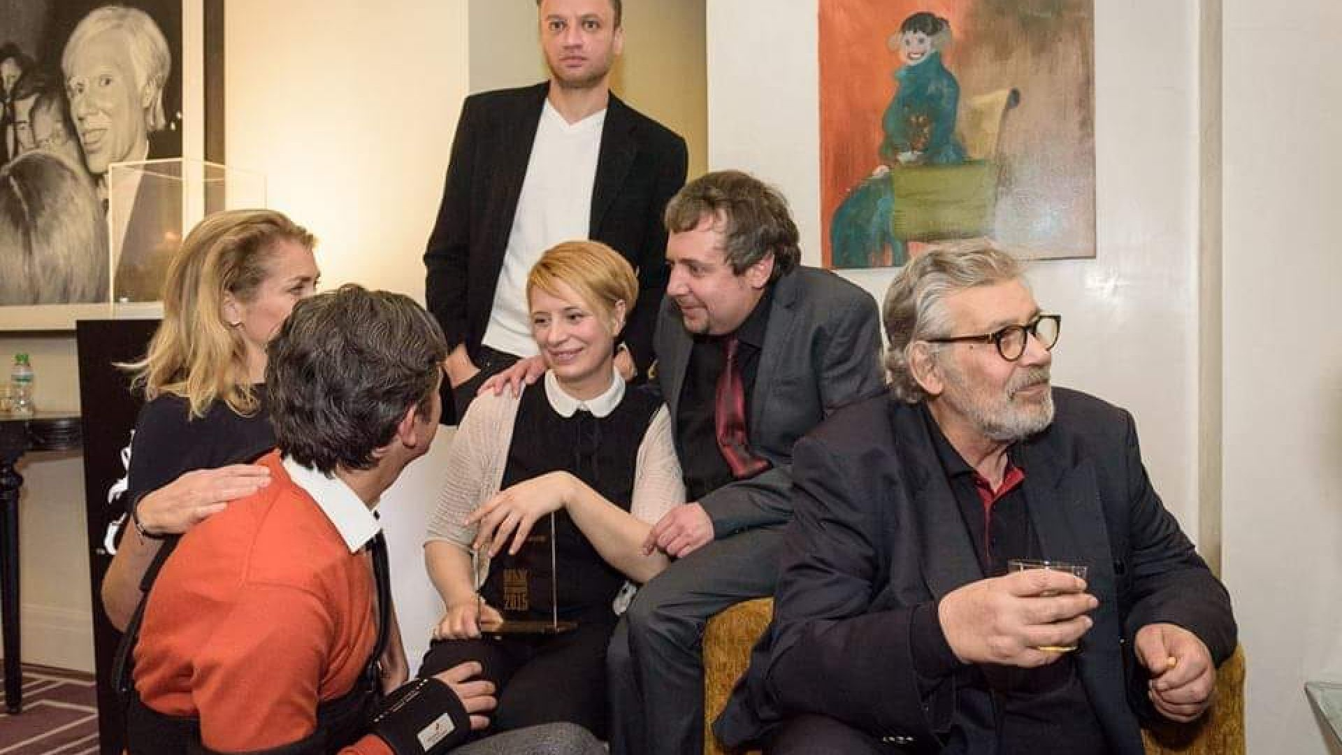 Ваня Щерева с Ненчо Илчев, Стефан Данаилов и други актьори