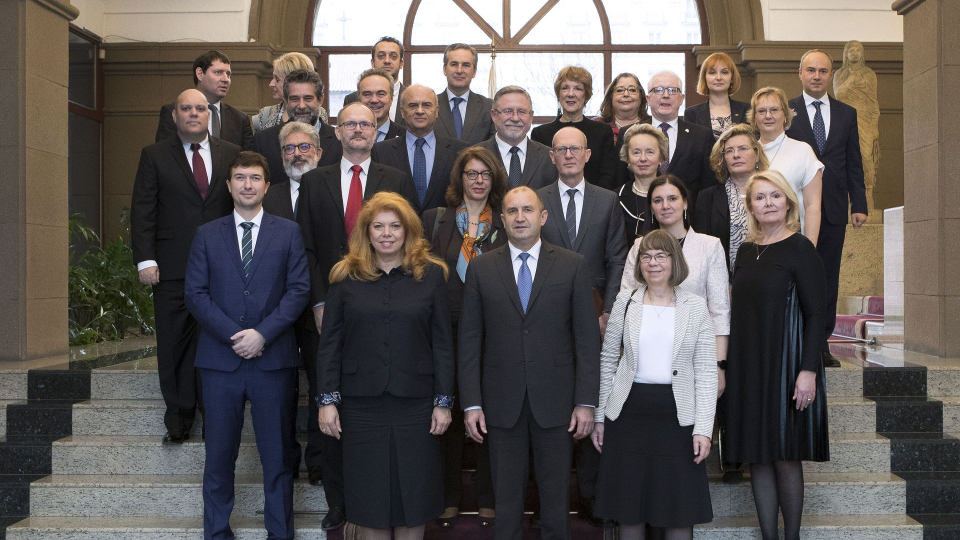 Румен Радев се срещна с посланиците от ЕС у нас