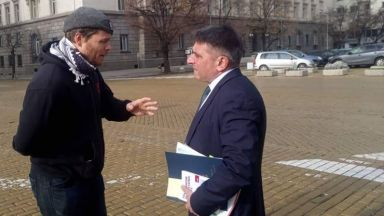 Джок Полфрийман се срещна на улицата с правосъдния министър Данаил Кирилов (снимки)