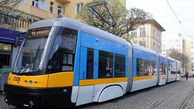 Фандъкова тества нов полски трамвай, пускат го по линия 18 (снимки)
