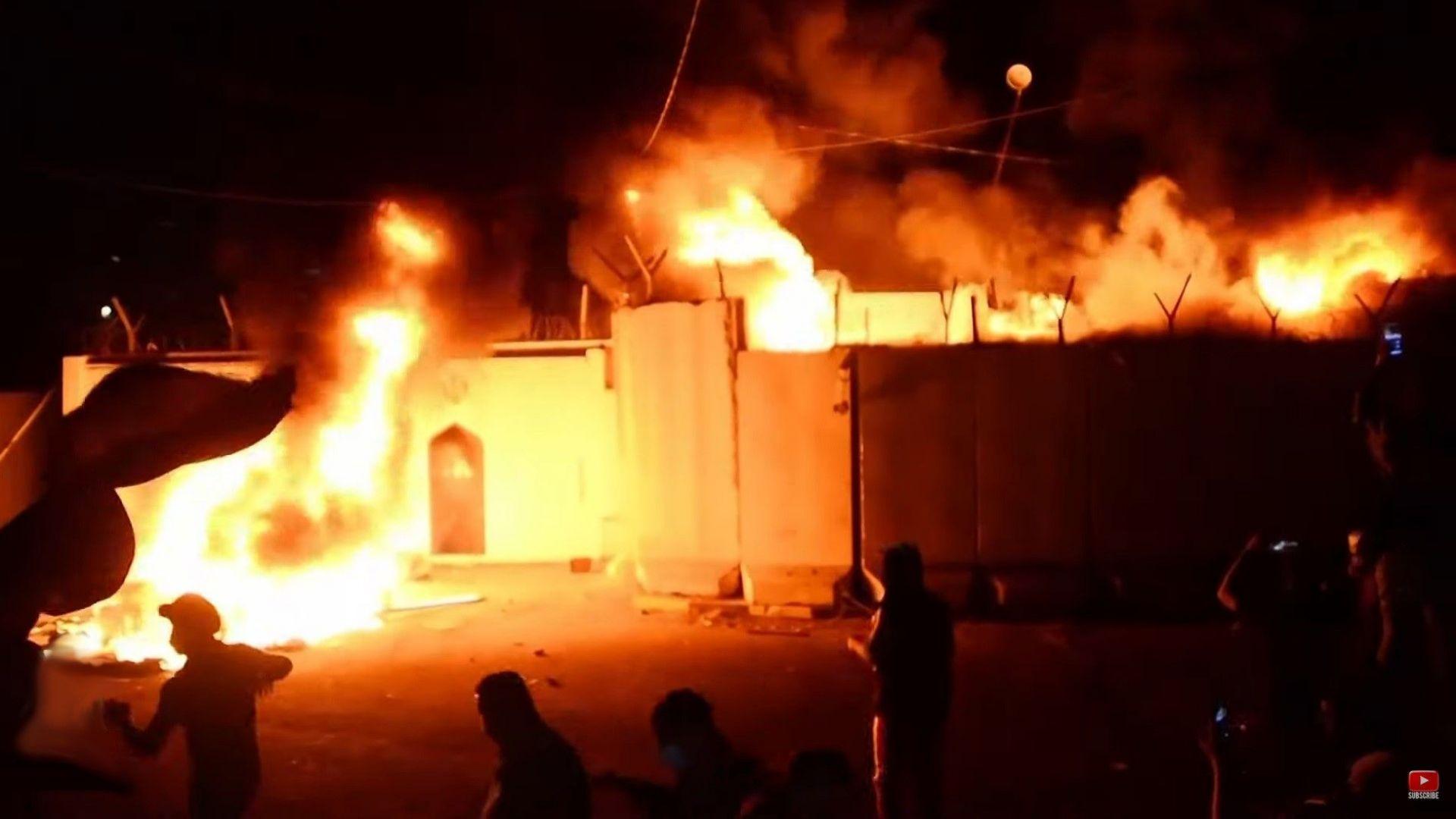 Антииранската вълна в Ирак се засилва с подпалването на консулството в свещен град